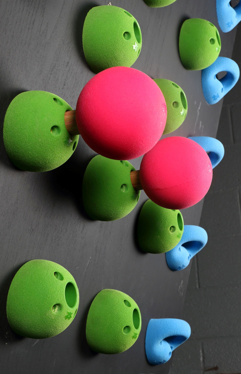 "Picture of Peg Board Bombs / Balls 4.5"" ( Set of 2 )"