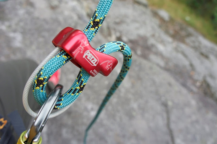 Picture of Petzl Verso Belay / Rappel device (Green)